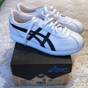 NWT! ASICS cheerleading sneakers, black accents